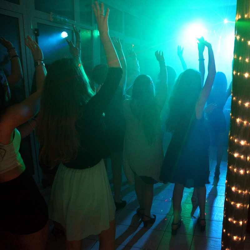 La tua prima festa in discoteca